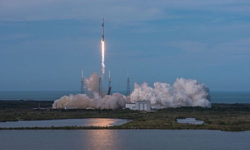 Abschuss des Satelliten am 2. April 2018 in Cape Canaveral. Foto: Official SpaceX Photos, CC0 1.0
